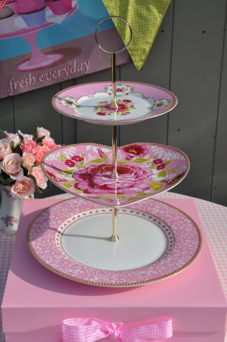 1000 Images About Creative Cake Stands On Pinterest