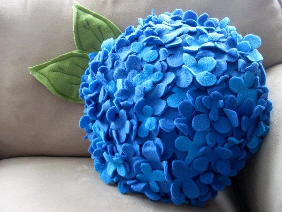 Flores de feltro  Felt Hydrangea pillow