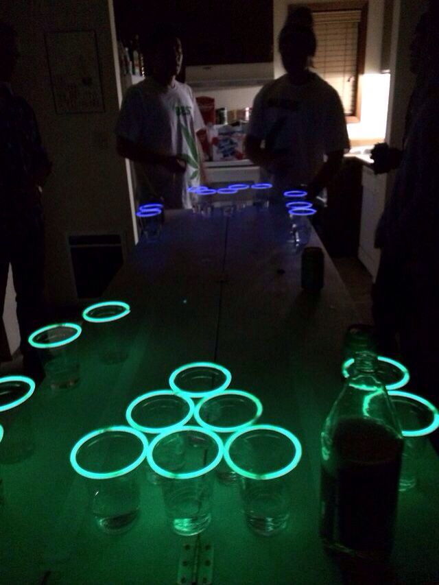 Glow in the dark beerpong