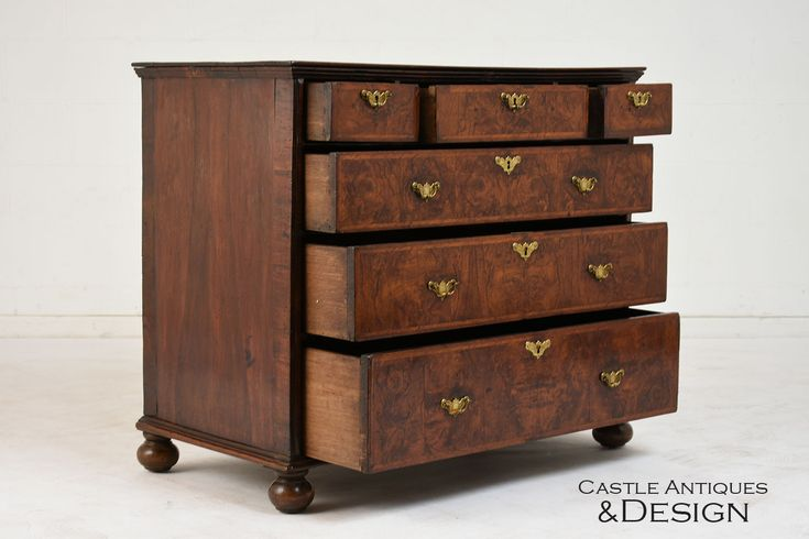 19th Century English Traditional Chest of Drawers #19thcenturyfurniture #19thcentury #englishtraditional #englishfurniture #chestofdrawers #dresser #stainedwood #carvedwood #turnedlegs #brasshardware