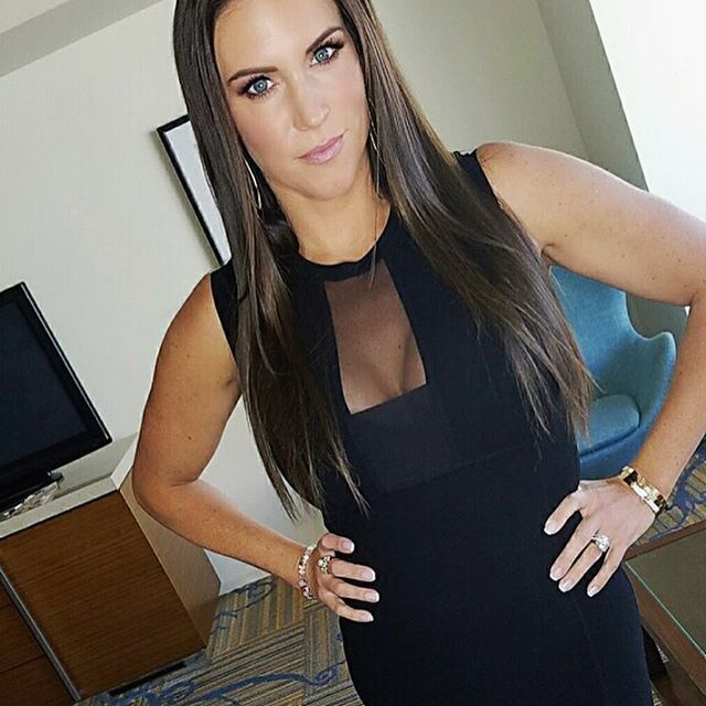 Stephanie mcmahon diva hot boobs