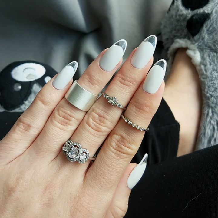 nailroomstudio.com New clear framed french design. Custom false nails. #nailroomstudio #falsenails #custom nails #pressonnails #whitenails