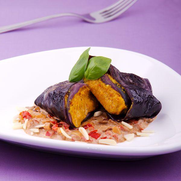 Rotkohl Rouladen mit Kürbis-Füllung #vegan Pumpkin stuffed Red Cabbage Rolls (Recipe in German)