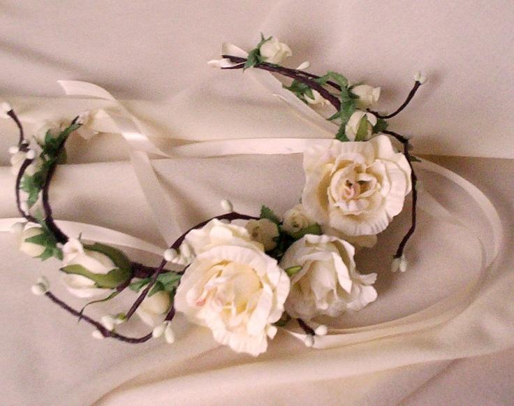 Voor de hippie of klassieke bruid! Bloemen in je haar, maar ook hele boeketten verkrijgbaar.