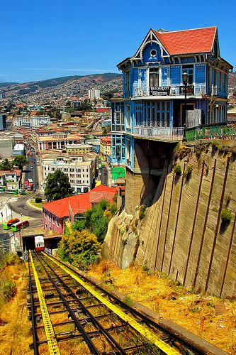The hanging house and the old cable car in Valparaiso, Chile 15