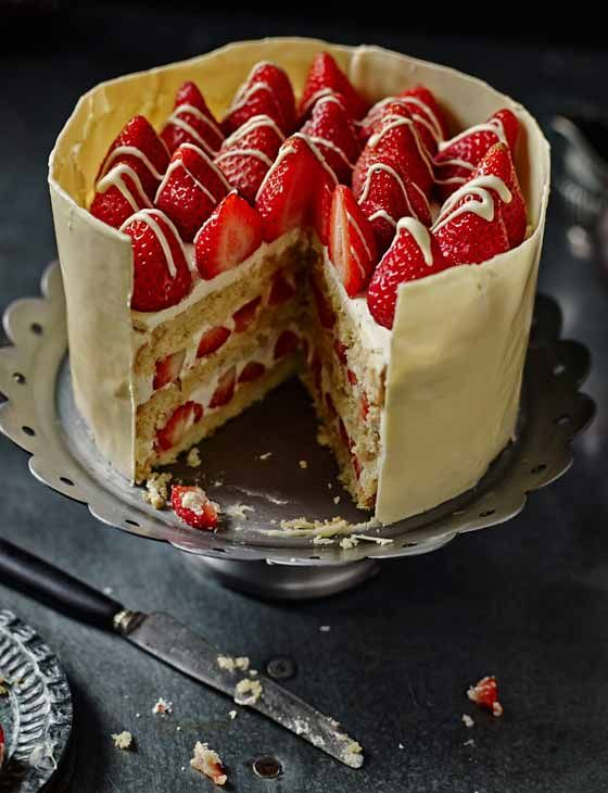 Strawberry, passionfruit & white chocolate cake - it's easier then it looks!