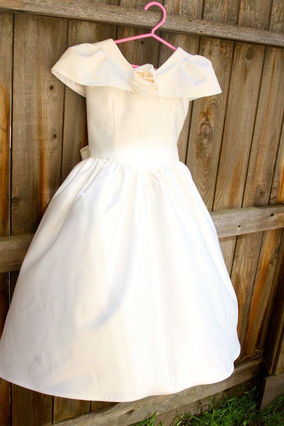 , grand noeud, mariage, chic, romantique et élégant  Navy theme ...