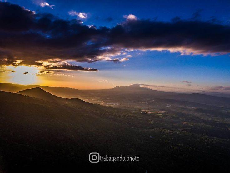 Sunset from Quetzaltepec Volcano commonly known as San Salvador Volcano // Atardecer desde el Volcán Quetzaltepec conocido comúnmente como Volcán de San Salvador —  #sunset #sunsets #goldenhour #volcano #volcanoes #quetzaltepec #sansalvador #mountain #mountains #clouds #elsalvador #centralamerica #sivar #centroamerica #travel #trip #amazing #adventure #outdoors #experience #explore #visit #beautiful #unexplored #dji #djidrone #drone #phantom #aerialview #aerialphotography…
