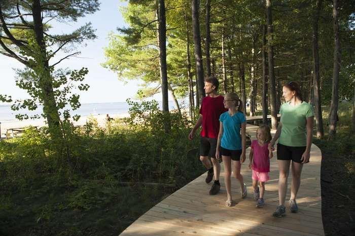 Article : Les plus beaux sentiers de randonnée pédestre dans les parcs nationaux du réseau Parcs Québec :
