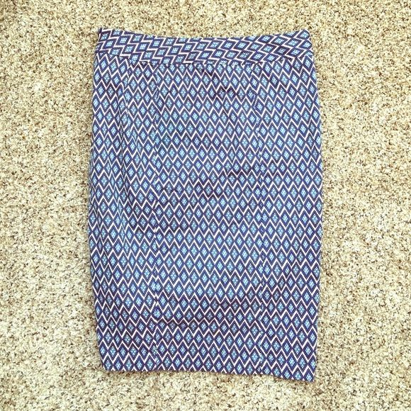 """Blue Diamond Pencil Skirt 41Hawthorn pencil skirt with back zip and back vent. 95% cotton, 5% spandex. 22"""" long. Size medium but fits like a small. Skirts Pencil"""