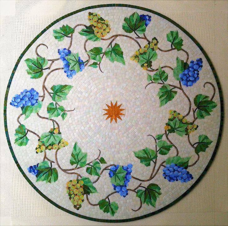 Mosaico Arte e Mestieri, mosaic grapes.