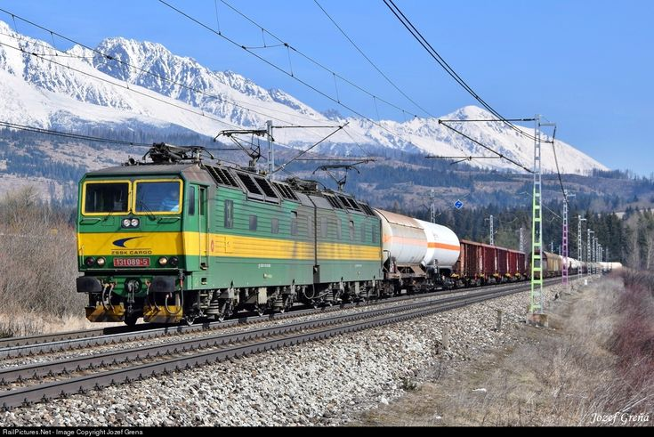 RailPictures.Net Photo: 131.089/090 ZSSK Cargo ZSSKC 131 at Štrba, Slovakia by Jozef Grena