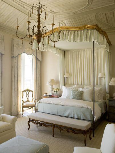 formal bedroom: Dreams Bedrooms, Beds Rooms, French Bedrooms, Guest Bedrooms, Phoebe Howard, Canopies Beds, Four Posters Beds, Bedrooms Decor, Beautiful Bedrooms