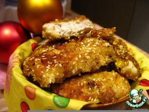 """Домашний """"Мак-наггетс""""       Филе куриное (двойные) — 4 шт     Хлеб (белый, свежий, для крошек)     Яйцо — 4 шт     Горчица — 2 ст. л.     Мука (для обваливания)     Кунжут (семя) — 5-6 ст. л."""