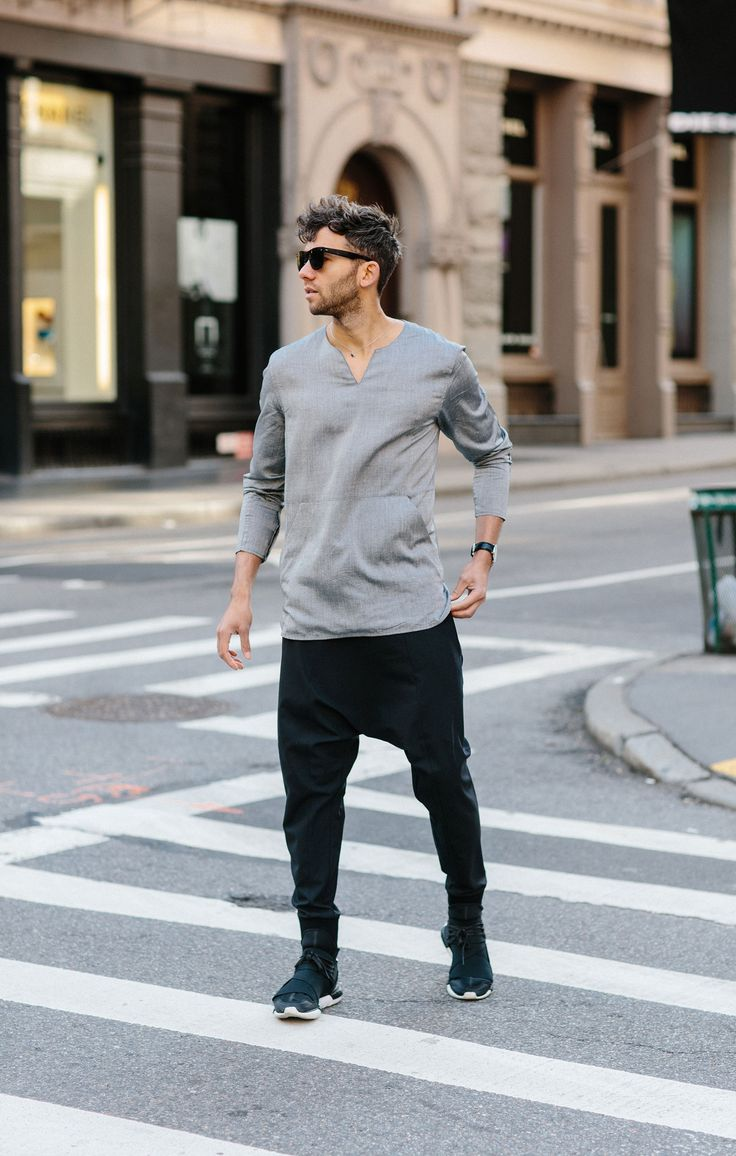 New York summer street look in a men's tunic & drop crotch pants