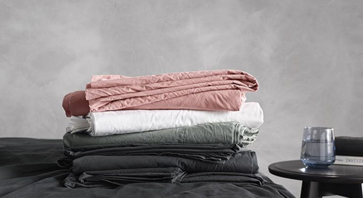 Whether you prefer a lightweight linen or crisp Egyptian cotton, when it comes to buying sheets, feel is the most important factor.