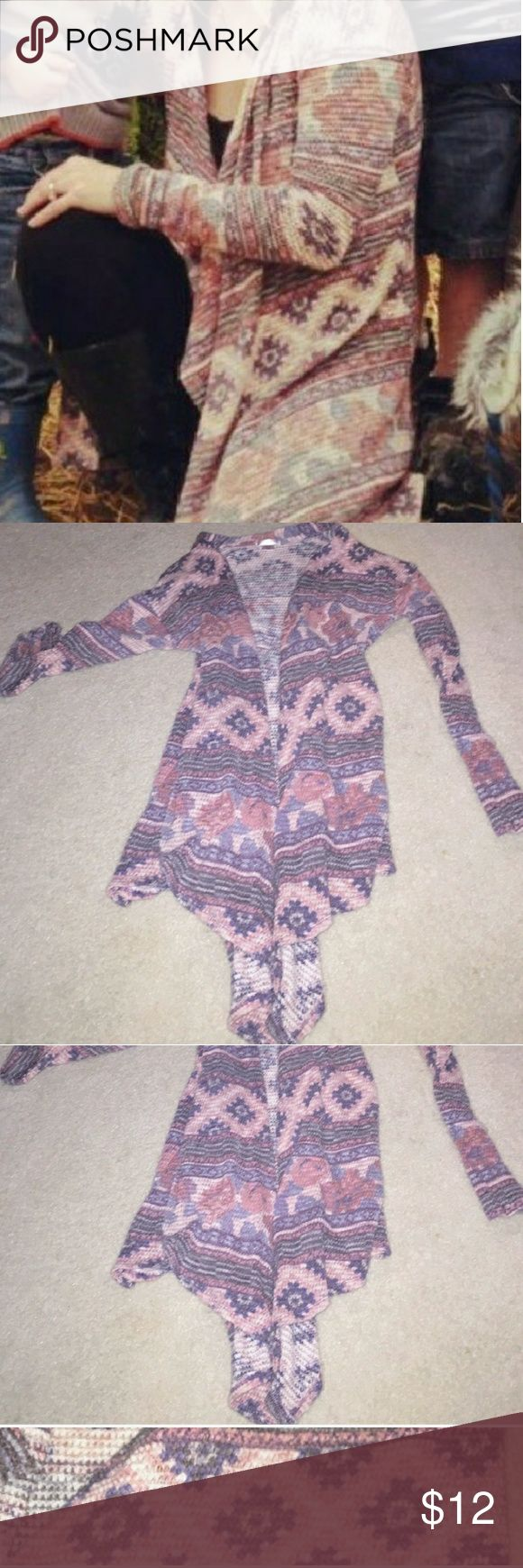 "$9 on vinted! Flowy azrec tribal cardigan sweater Really comfy like new. Bundle discounts and cheaper on vinted profile ""the428"" Sweaters Cardigans"