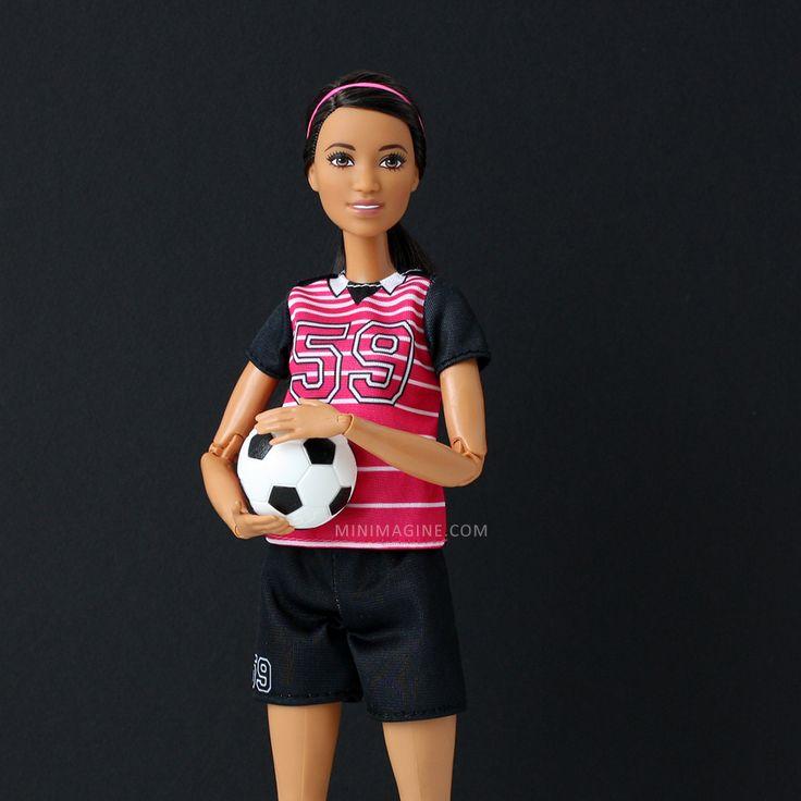 Minimagine: CAMERON #barbiemadetomove #madetomove #mtmbarbie #barbiesoccerplayer #barbie