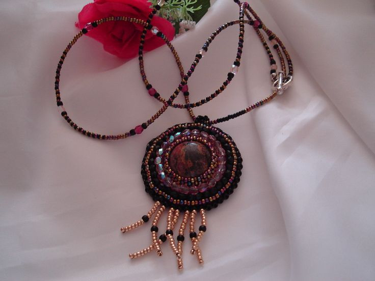 Mandala Jáspissal. Tervezte és készítette Margóczi Rózsa