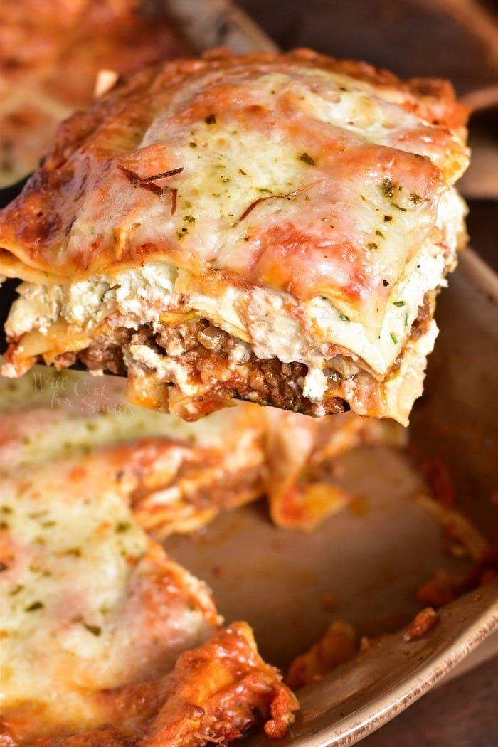 Classic Lasagna Recipe This Classic Lasagna Recipe Features Layers Of Ground Beef Pasta Ricotta Che Classic Lasagna Classic Lasagna Recipe Lasagna