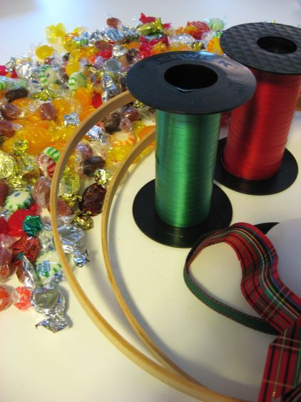 beach petals how to recycle halloween candy into a xmas wreath - Halloween Candy Wreath