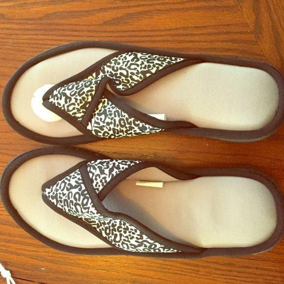 Brand new memory foam flip flops Black cheetah pattern memory foam orthopedic flip flop Airwalk Shoes Sandals