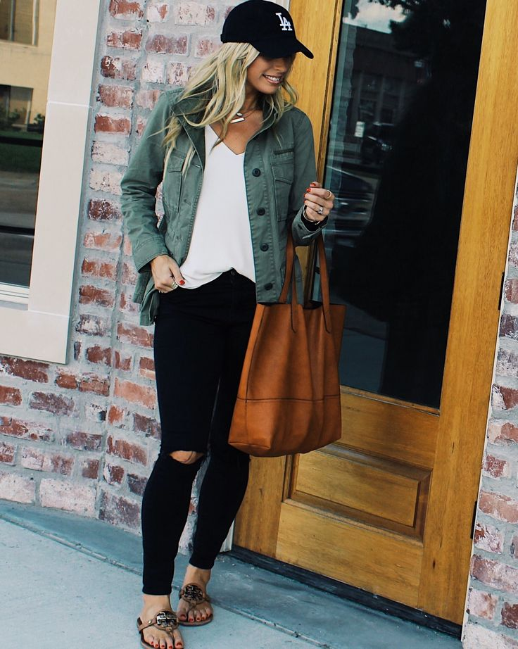 How to Style Black Jeans, Ball Cap Outfit, Army Jacket Outfit, Anorak Jacket Outfit, Back Jeans Outfit, Fall Fashion