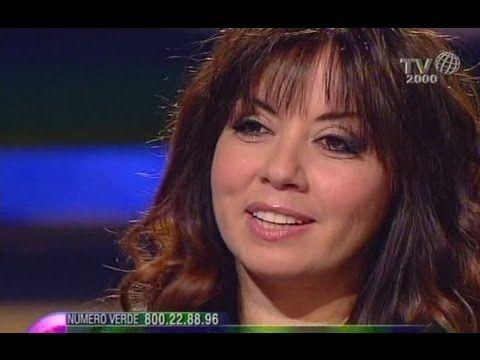 Laura Milani, dopo momenti di buio e sofferenza, grazie alla fede la sua vita è tornata a fiorire - YouTube
