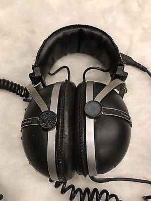 Vintage PIONEER STEREO HEADPHONES Model SE-305 with Cushioned Head & Ear Pieces