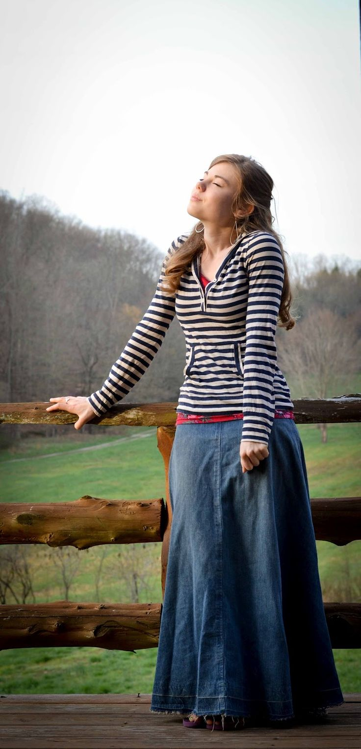 "This is a great blog by a girl who recognizes the need for modesty, and God's desire for it! So happy to have found this blog, contains some of her talk of their sermons, and many many Modest, beautiful clothing ideas and tutes! Her slogan ""Dressing outside your box, but inside His book!"" <3 <3 <3"