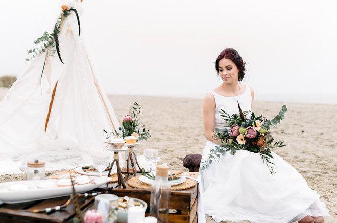 Inspiration für eine Boho Hochzeit am Strand mit Tipi und bohemian…