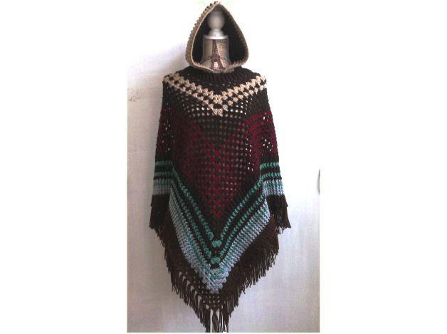 Cape poncho avec capuche, fait main ,taille 38,acrylique de laine : T-Shirt, debardeurs par mon-petit-boutique