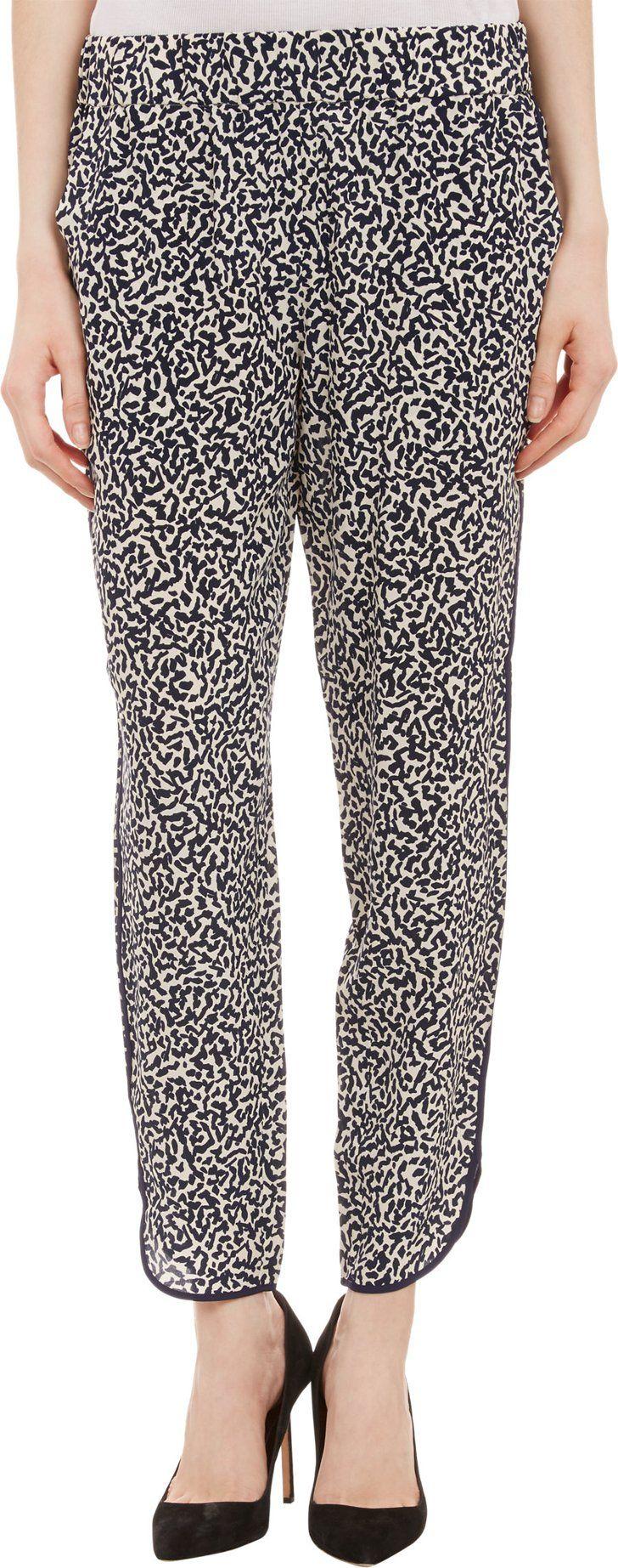 Pin for Later: Encore des vêtements canon pour le pont de l'Ascension ! Pantalon en soie Barneys NY Barneys New York Silk Jogger Pants (129 $ au lieu de 219 $)
