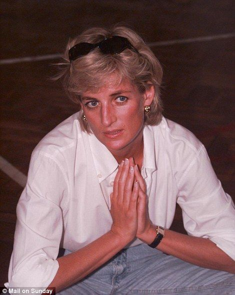 how the media reported the death of princess diana of wales in 1997 Conspiracy theories are back surrounding the circumstances of princess diana and her companion dodi al fayed's 1997 deaths after a british media report alleges that the couple may have been .