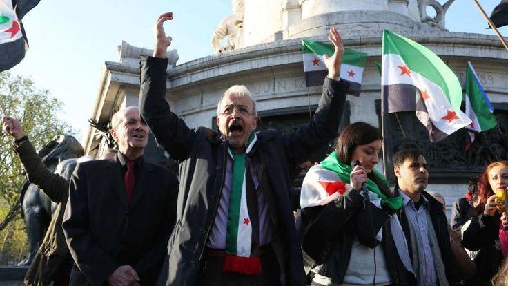 Durant la campagne, la guerre civile en Syrie a été maintes fois évoquée par les candidats, chacun ayant son idée pour résoudre le conflit et accueillir ses réfugiés. Mais au fait, que pensent les Syriens vivant en France de cette campagne et des candidats ?       En cette campagne...