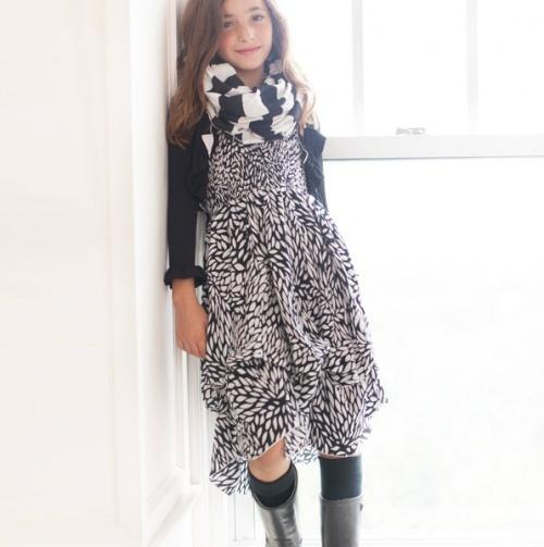 Black Petal Infinity Dress