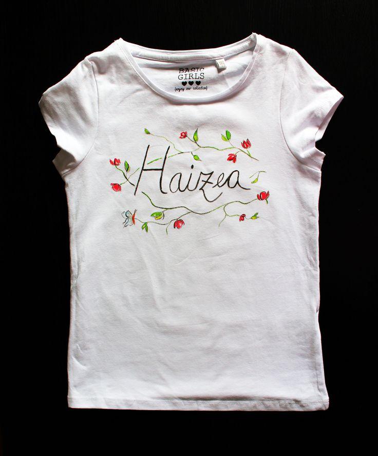 "Camiseta blanca ""Primavera"" con nombre."