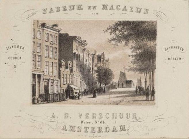 """Water 84 (2e v links, is nu Damrak 22), pret tussen 1800 en 1852. Op nr 86 (""""Op het Water"""") Dirk de Mooij rond 1834."""