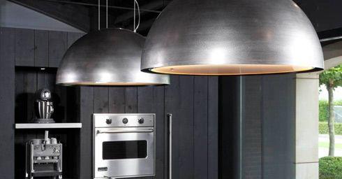 Robuste design afzuigkap  Lamp en afzuigkap in een: MOOI.