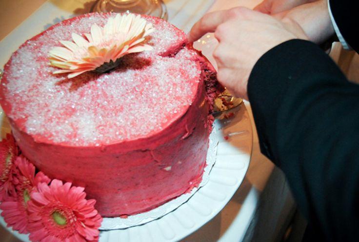 Recipe: Hot Pink Raspberry Cake