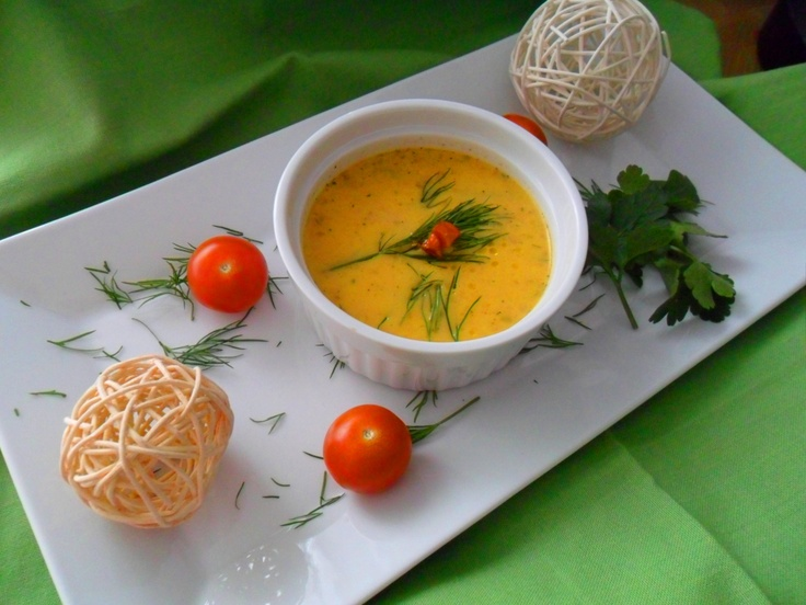 Carrot apple soup with coconut flavour   Karotten-Apfel-Suppe mit Kokos