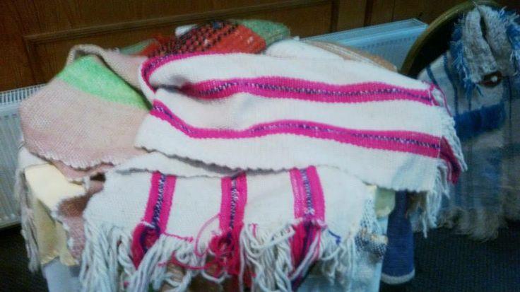 pieceras hechas a telar, con lana natural.