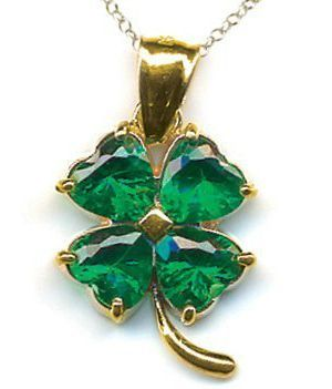 4 Leaf Clover Pendant - Jewelry with a lucky four leaf is believed to attract those with positive energy and a good vibe. #jewelry #stpatricks #4leafclover