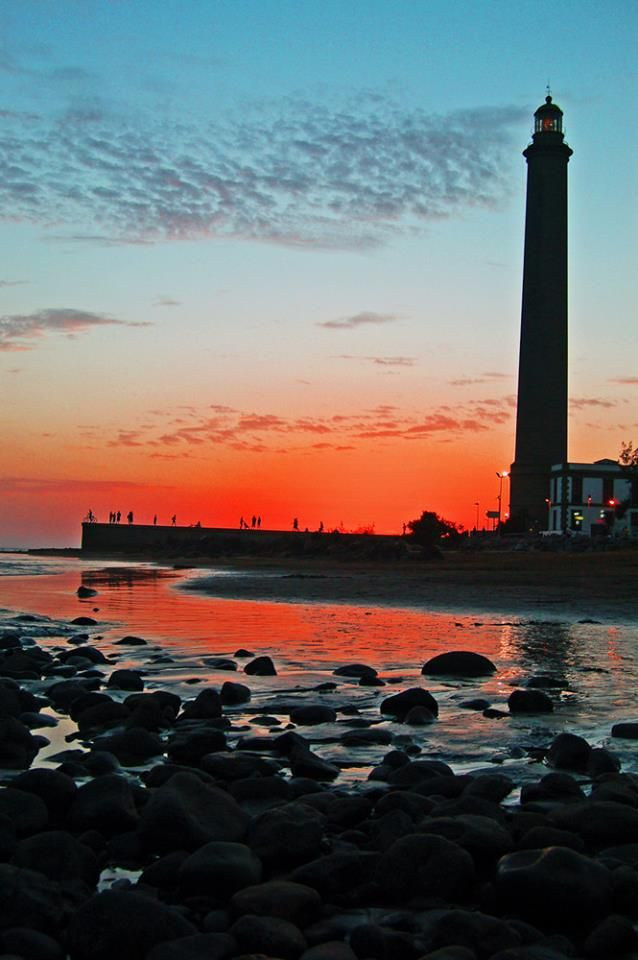 The Maspalomas Lighthouse in Gran Canaria is a wonderful sight to behold during an evening sunset. #Maspalomas #GranCanaria. http://www.timeshare-hypermarket.com/destinations/gran-canaria.aspx
