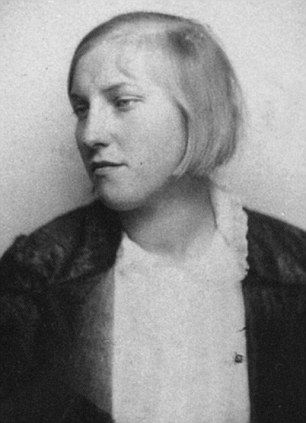 Marie Therese Walter (1907-1977) was only 17 when she met ...