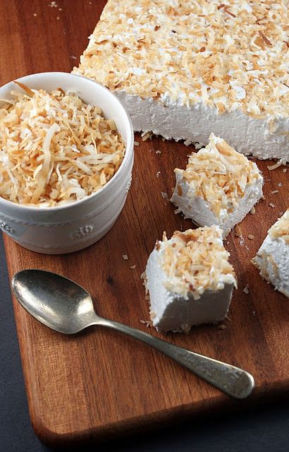 toasted coconut homemade marshmallows: Suburban Gourmet, Marshmallows Recipes, Toasted Coconut, Homemade Marshmallows, Coconut Handmade, Secret Recipes, Handmade Marshmallows, Coconut Marshmallows, Toast Coconut