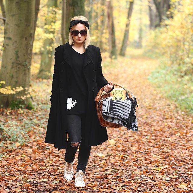 My już myślimy o weekendzie !! Marzymy o pięknej pogodzie i złotej polskiej jesieni 🍁🍂☀️🍂🍁 Trzymajcie kciuki oby pogoda sprzyjała spacerom ! . . . . #oneinamillion #greymousefashion #greymouse #jesień #jesien #autumn🍁 #polishbrand #polskiemarki #polscyprojektanci #polishblogger #winteriscoming #dolasu #totheforest #slowlife #polska #poland #fashionbrand #newstyle #shoponline #clothes #model #breaktime #harrypotterandthecursedchild  #madeinpoland #polishgirl #fashion #warm #realpeople