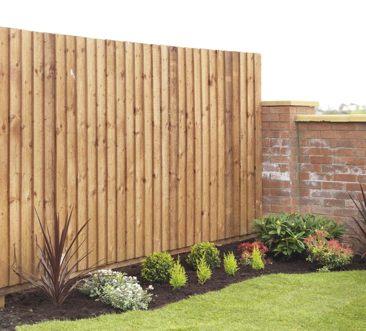 Feather edge fence panels create a lovely uniformed look in the garden. Very strong and long lasting.  http://www.avsfencing.co.uk/fencing/fence-panels/