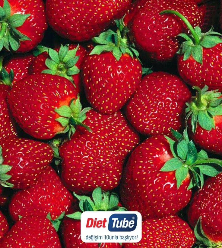 Ayın Meyvesi: #Çilek Çilekte bol miktarda demir ve fosfor bulunmaktadır. Ayrıca C, B ve K vitamini açısından da zengindir. Kolesterolü düşürür ve damar tıkanıklığını önler. Aynı zamanda çok iyi bir #antioksidan olan çilek bağışıklık sistemini güçlendirir. #DietTube #Diyet #Çilek #AyınMeyvesi #Strawberry