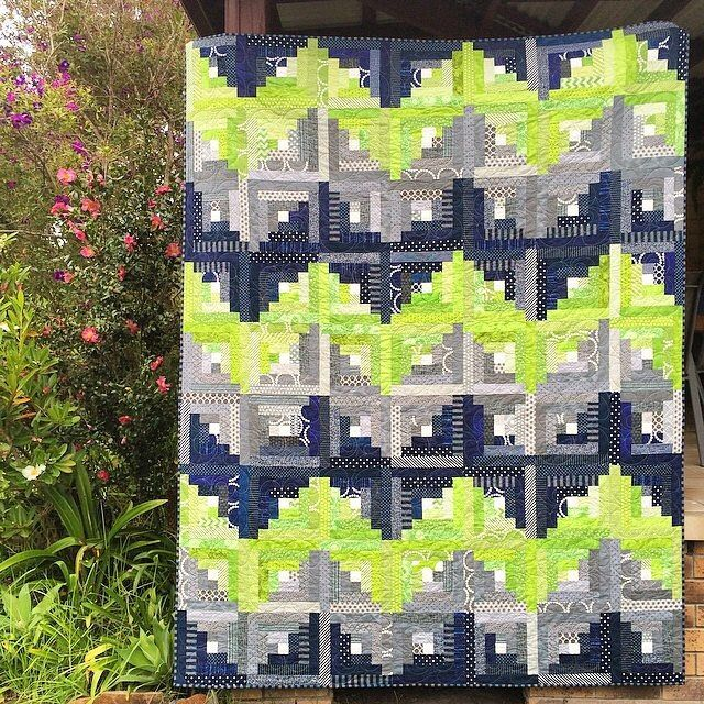 Love this modern take on a traditional design. It's a log cabin but chevron and awesome lime, grey and dark navy and black. Winner! • Quilt by @cathmosely - a 70th birthday present for her dad 💚 • #moderndesign #moderndesigner #modernmakers #modernmaker #modernmakersretreat #modernquilt #modernmakersquilt #modernaussiemaker #aussiequilter #modernquilting #modernstyle #quilter #quilters #quiltlove #handmadequilt #quiltsofinstagram #quiltersofinstagram #abmcrafty #calledtobecrafty…
